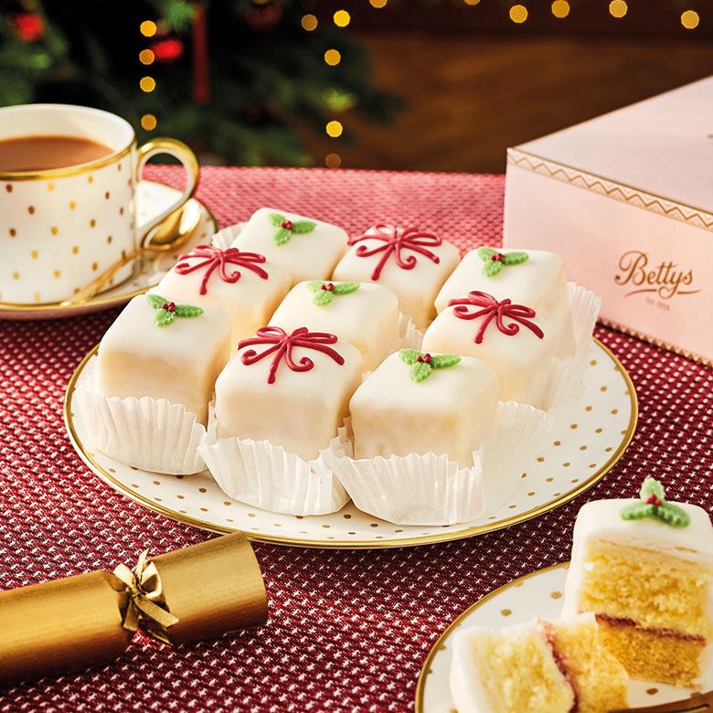 Christmas Fondant Fancies Box of 9