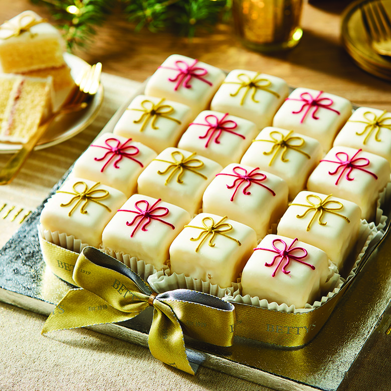 Christmas Fondant Fancy Party Cake