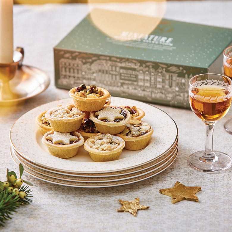 Miniature Mince Pies Selection Box of 16